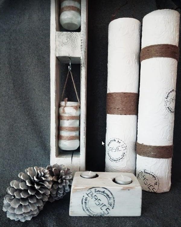 Glazen vaas gepimpt en voorzien van reliëf structuur, touw en logo