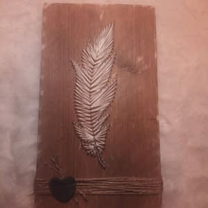 "String-art - ""Feather"" op steigerhout"