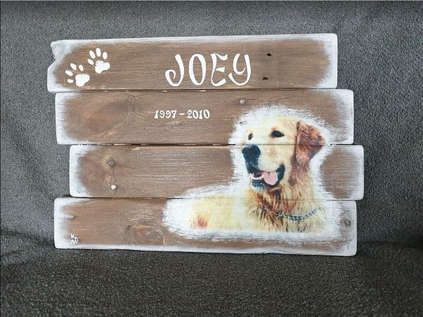"""Urn met herinneringsbord """"Joey"""""""